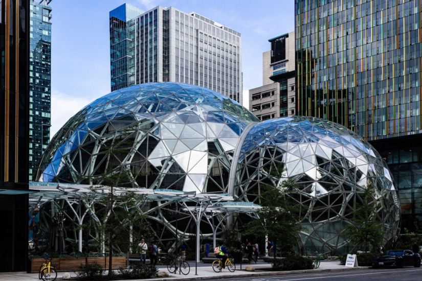 The headquarters of Amazon is located in Seattle, Washington.